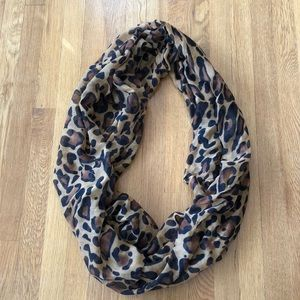 Gorgeous Leopard Print Infinity Scarf